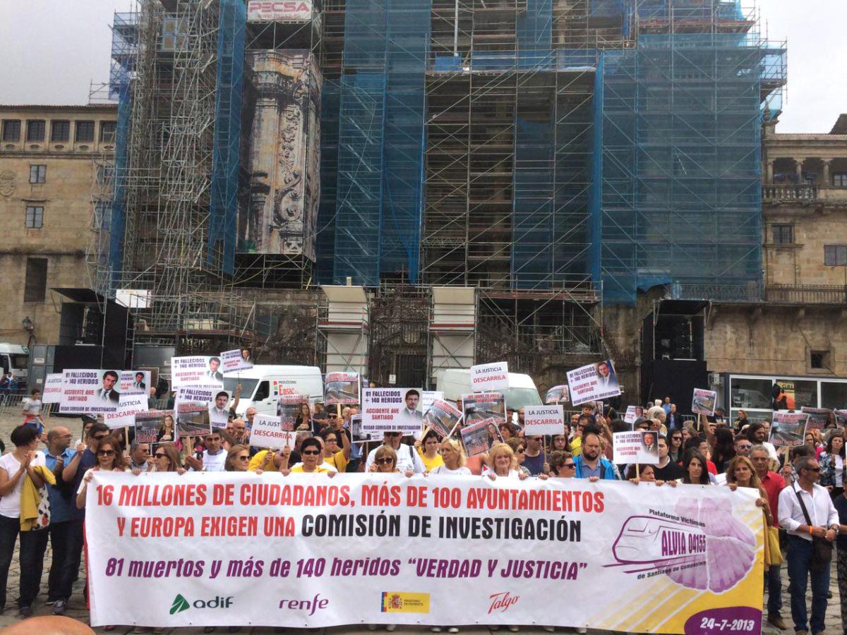 A marcha das vítimas, na súa chegada ao Obradoiro