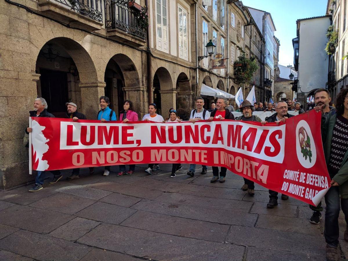Faixa do Comité de Defensa do Monte Galego