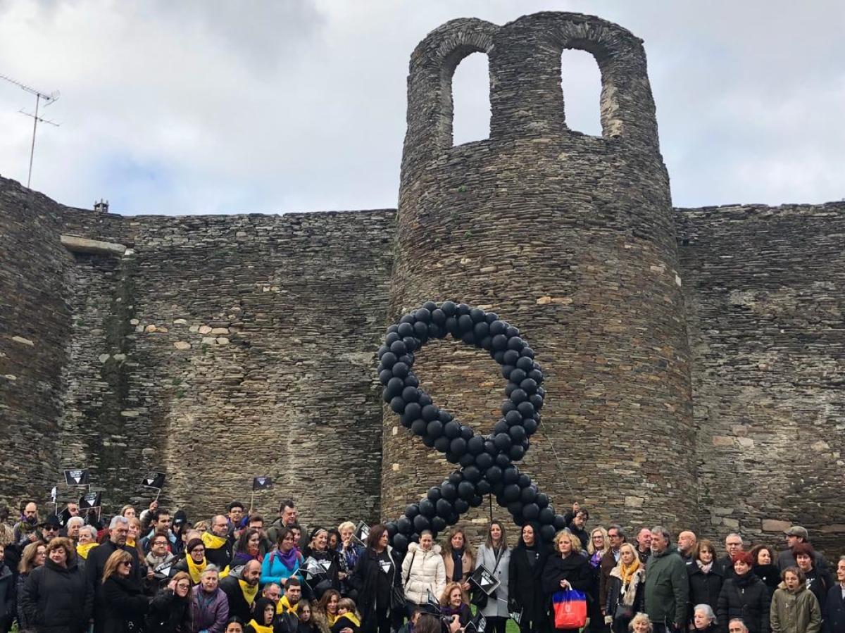 Contra a violencia machista ante a Muralla de Lugo