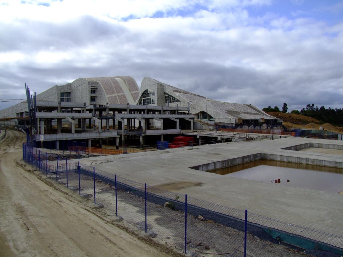 Estrutura a medio construir do que ía ser o Teatro do Gaiás