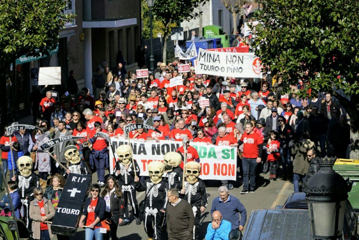 Un intre da manifestación, este domingo en Touro
