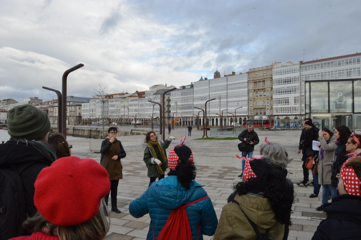 Inicio do roteiro sobre as mulleres do mar da Coruña, no Parrote
