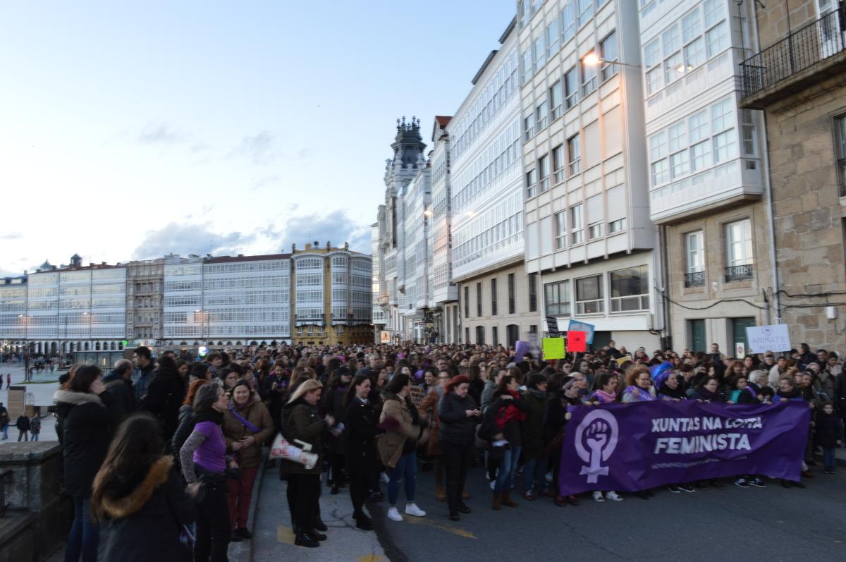 Avance na manifestación da Coruña polo Parrote