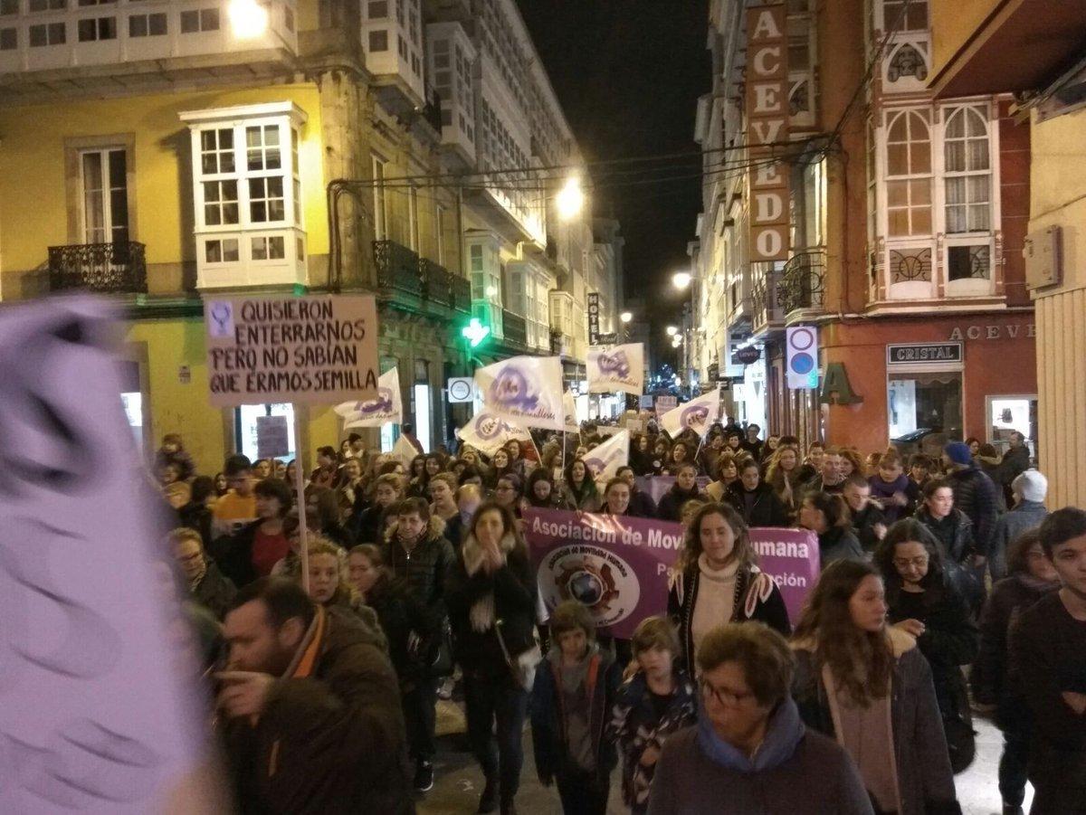 Detalle da masiva manifestación de Ferrol