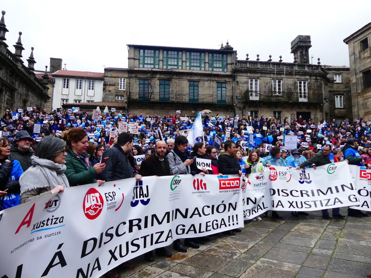 A manifestación á chegada á praza da Quintana