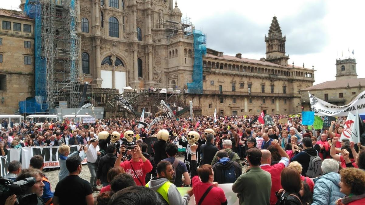 A manifestación, ateigando a Praza do Obradoiro