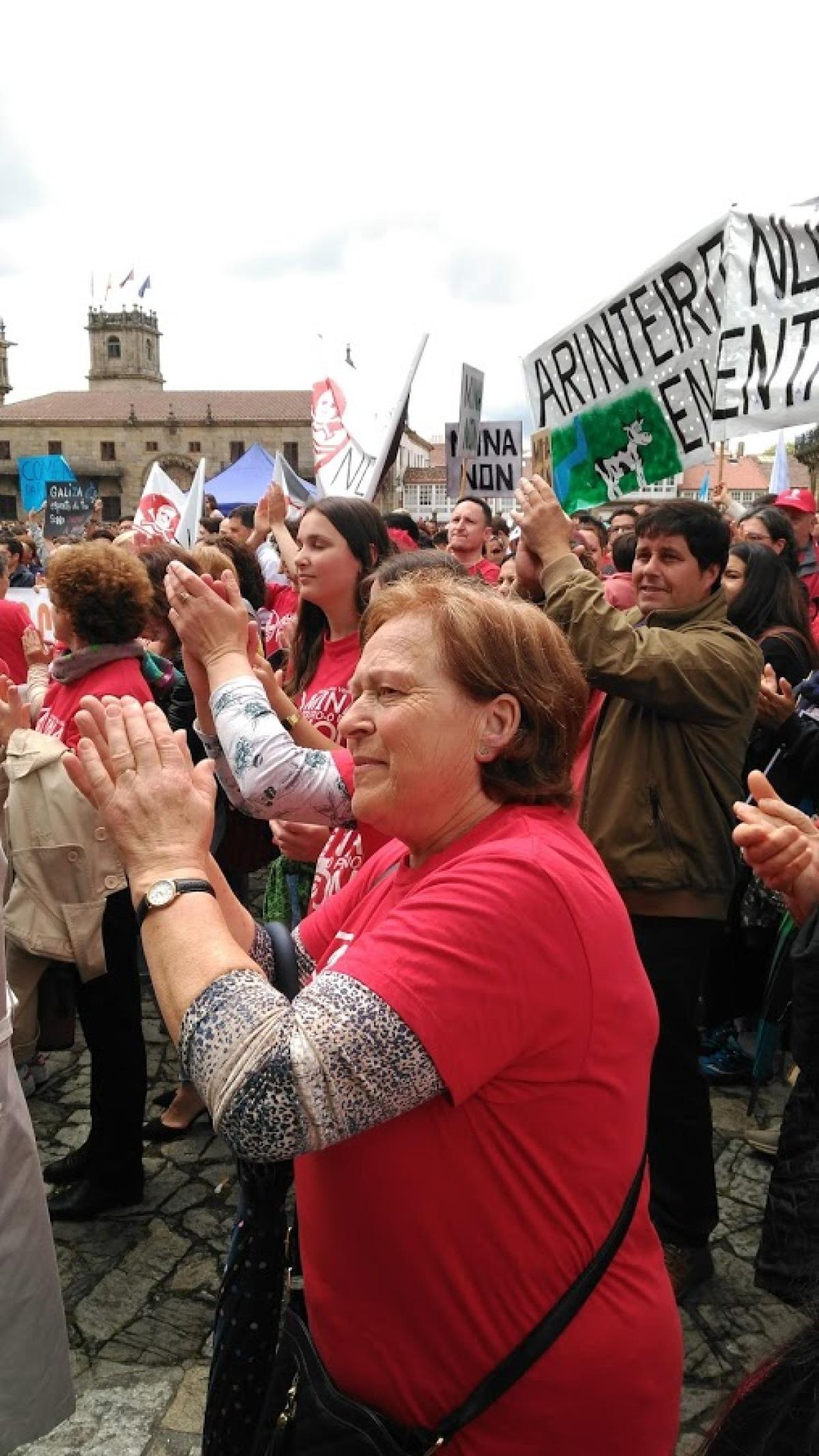 Manifestantes no Obradoiro
