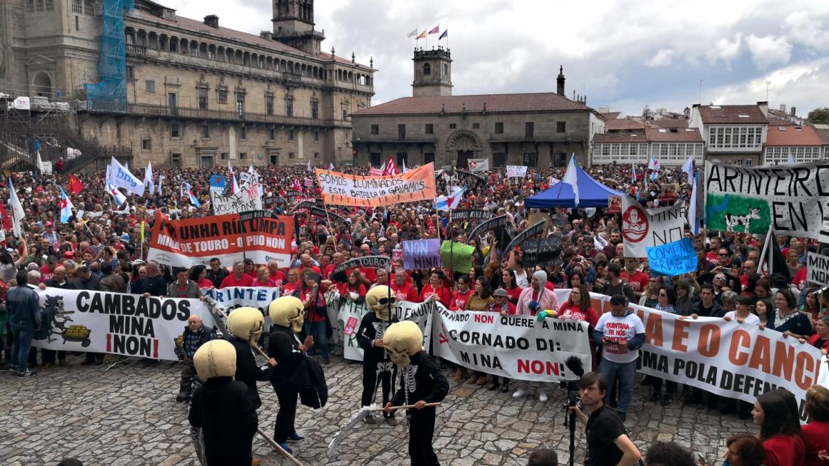 Vista da Praza do Obradoiro no remate da manifestación