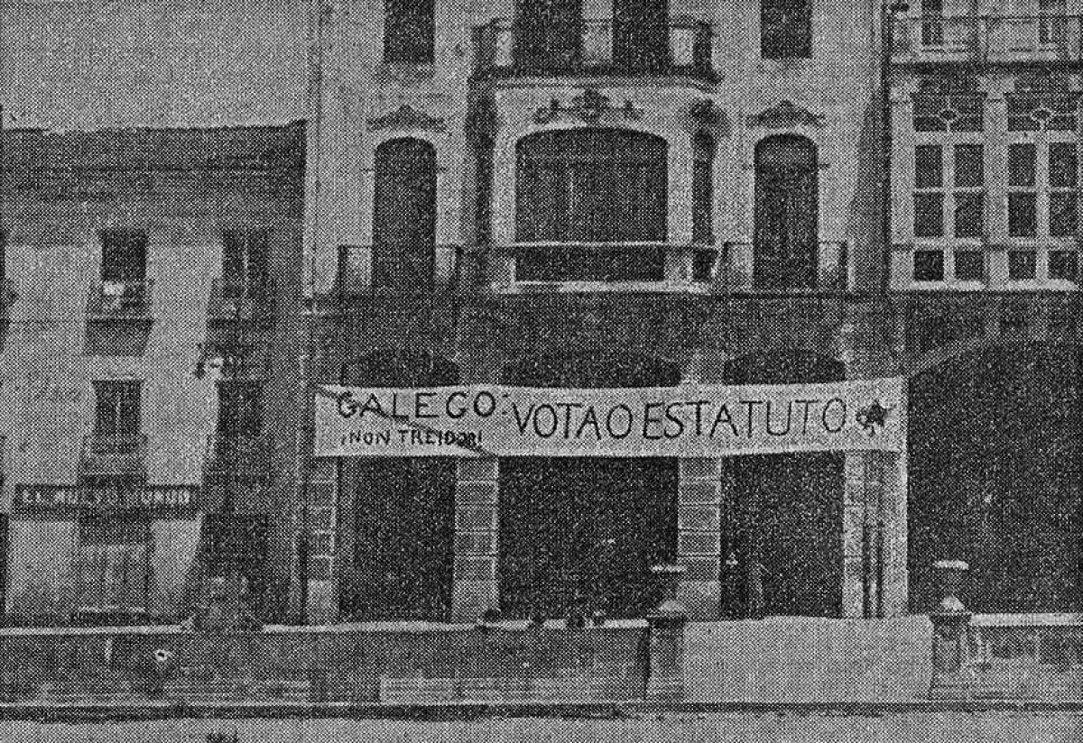 Pancarta a prol do Estatuto de 1936 en Ribadeo