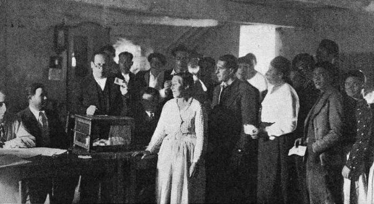 Votantes no referendo do Estatuto o 28 de xuño de 1936 en Santiago