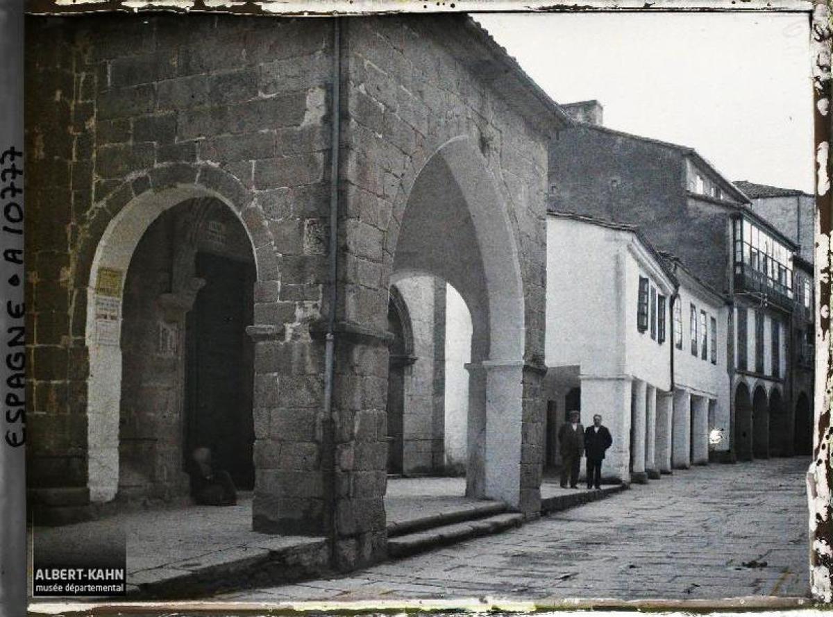 Rúa Nova e Igrexa de Salomé, Santiago de Compostela (1917)