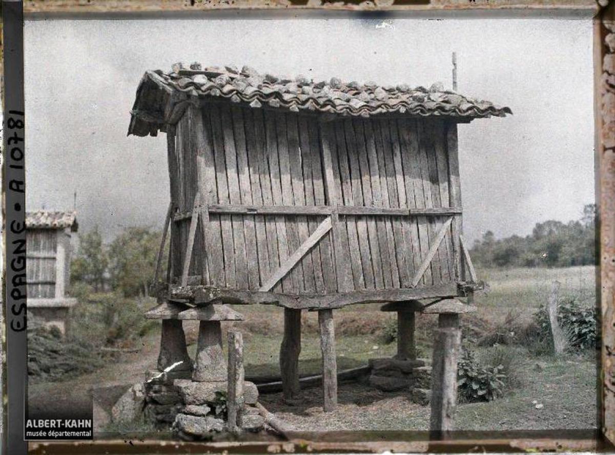 Hórreo no camiño entre Santiago e Padrón (1917)