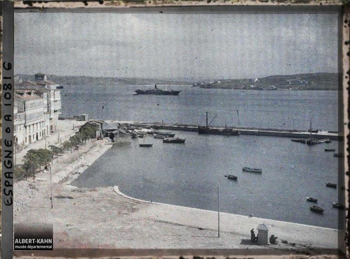 Dársena do Parrote, na Coruña (1917)