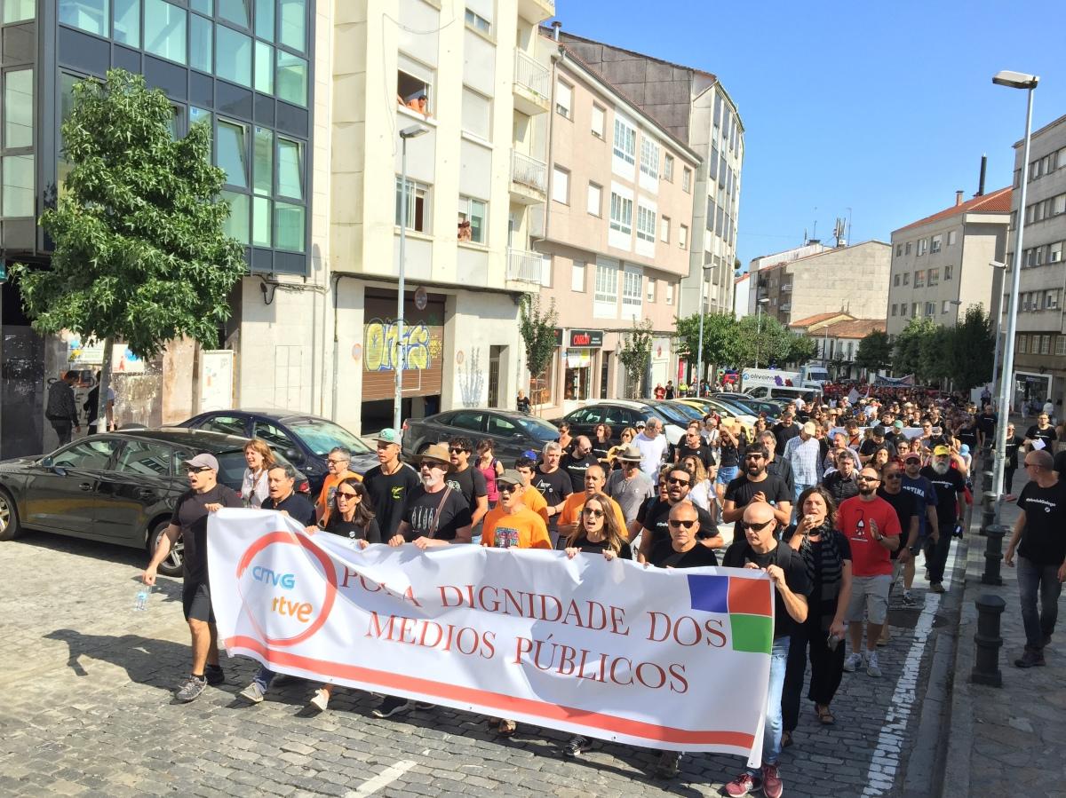 A manifestación na súa chegada ao casco histórico de Santiago dúas horas despois da súa saída de San Marcos