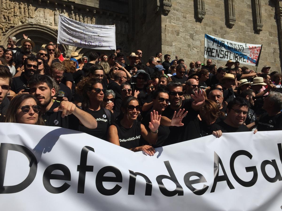 Mobilización de persoal da CRTVG en Compostela