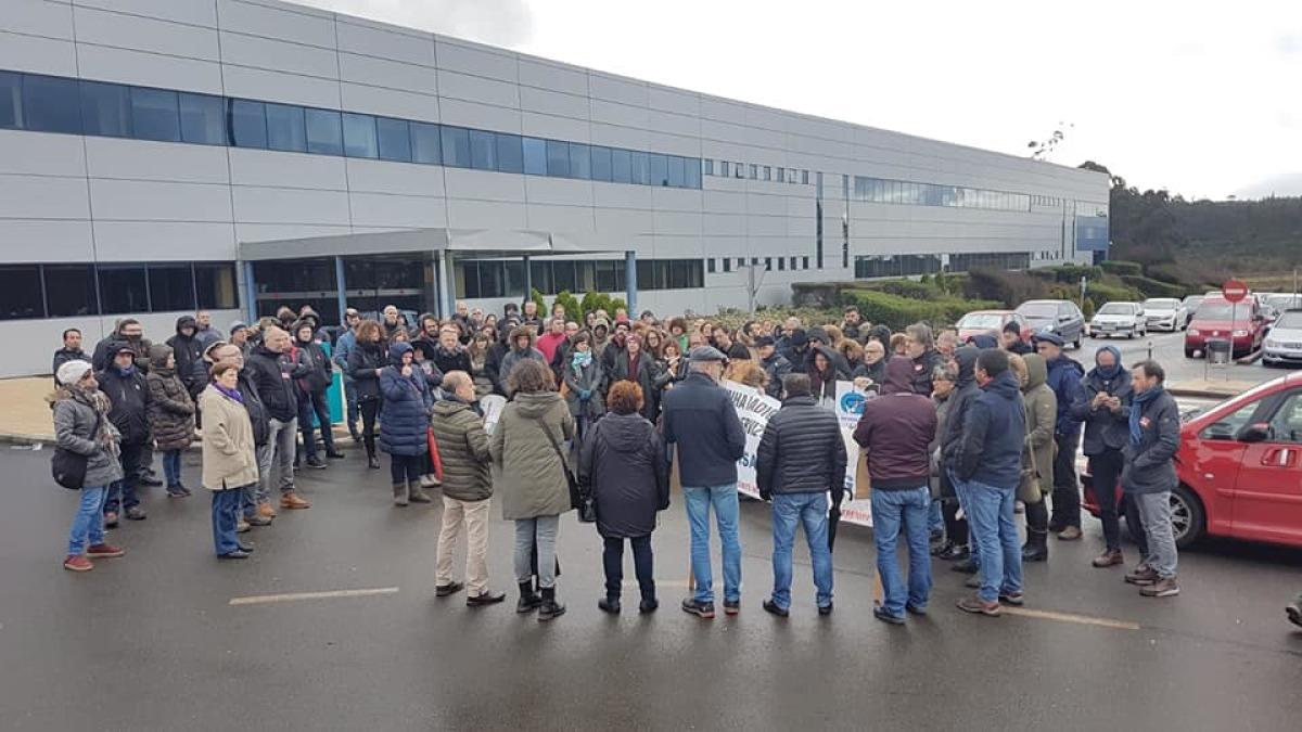 Concentración de persoal da CRTVG en San Marcos no segundo día de paros
