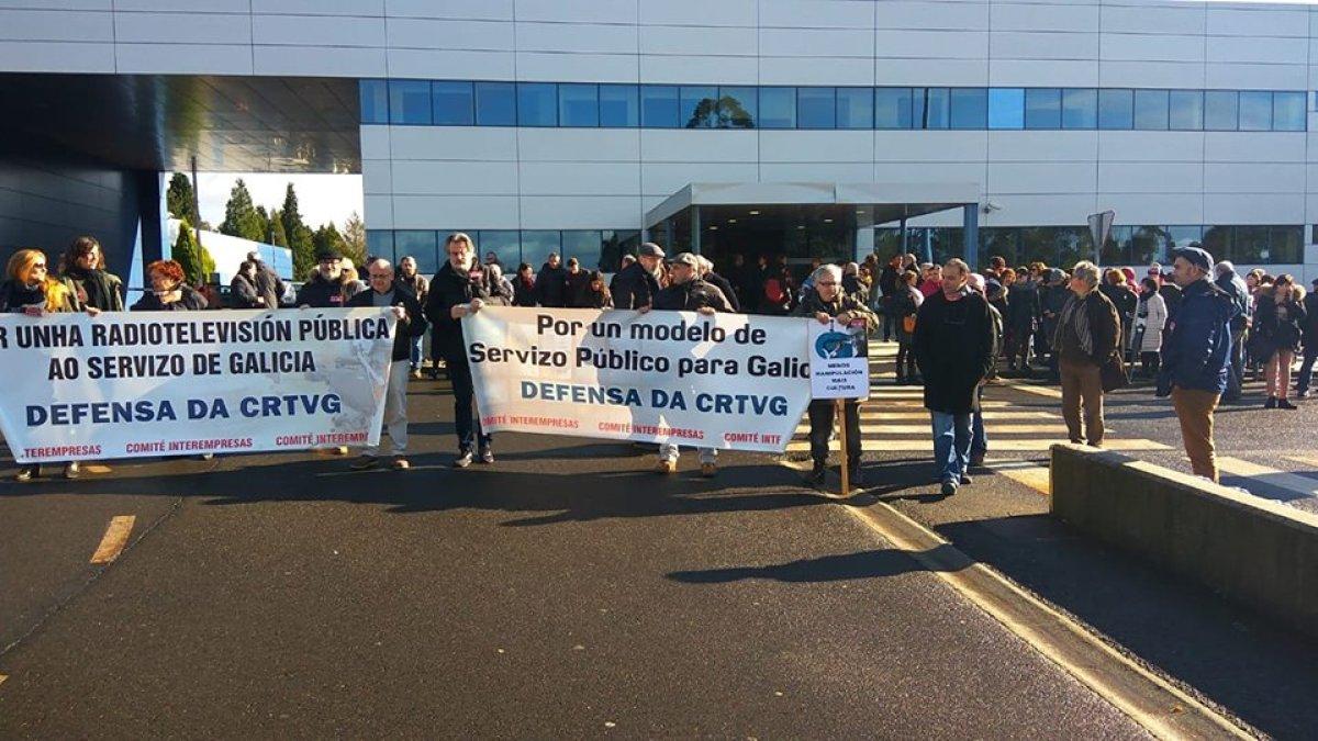 Mobilización do persoal da CRTVG no cuarto día de folga